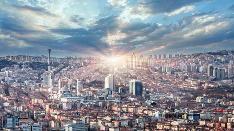 Ankara'da Sokağa Çıkma Yasağı ve Günün İlk Saatleri Videosu